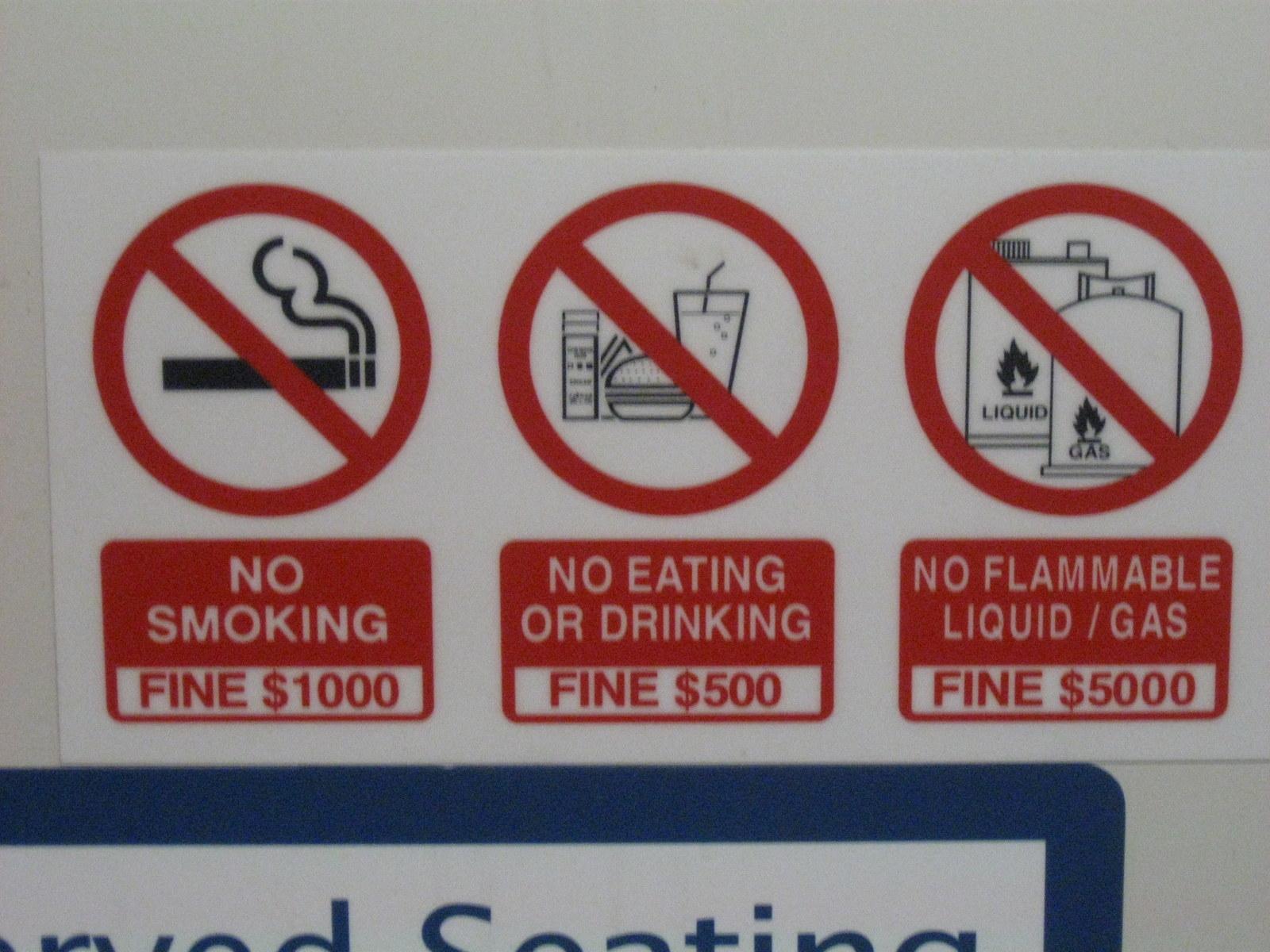 singapur signs no smoke no food