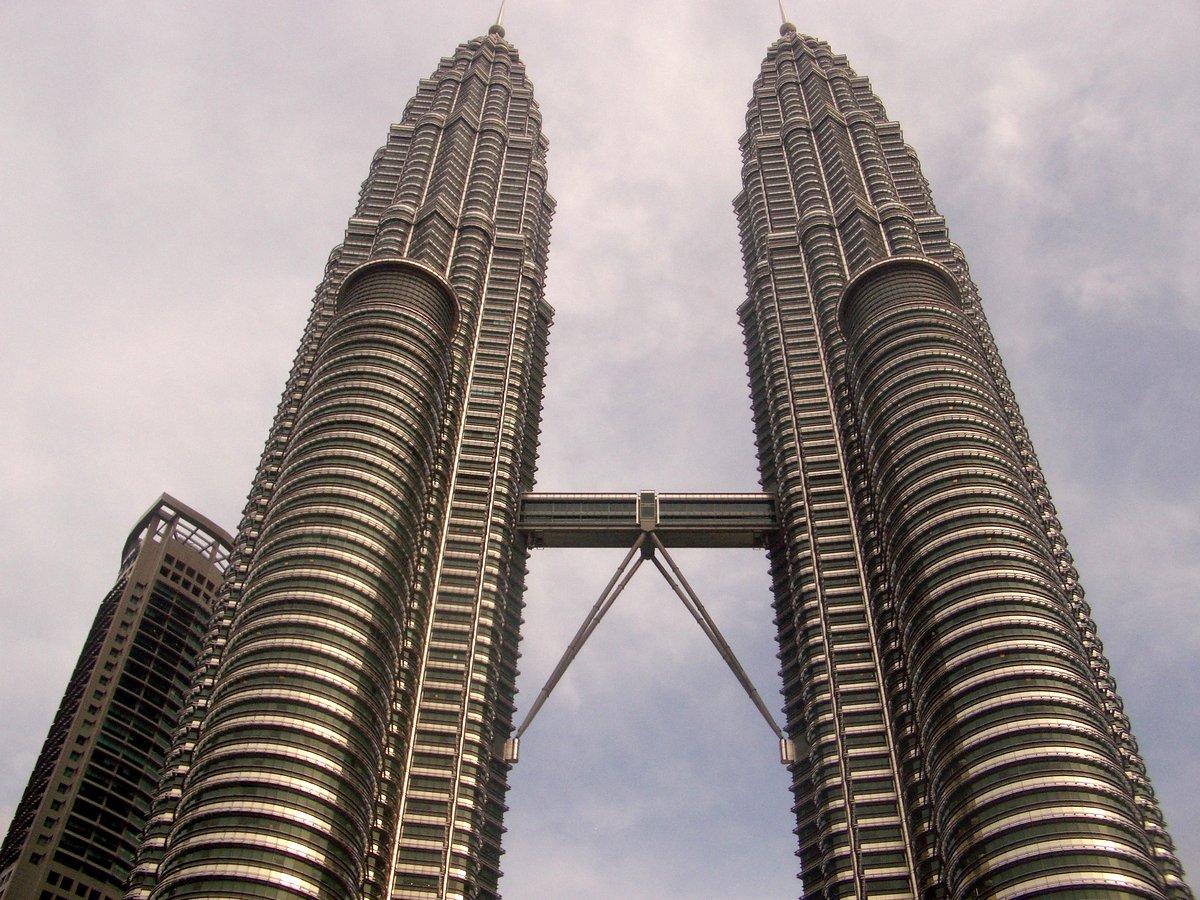 Malaysia 2007 KL Petronas Towers -001
